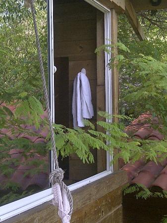 Hotel Cactus Taganga: sacaron la ventana del baño
