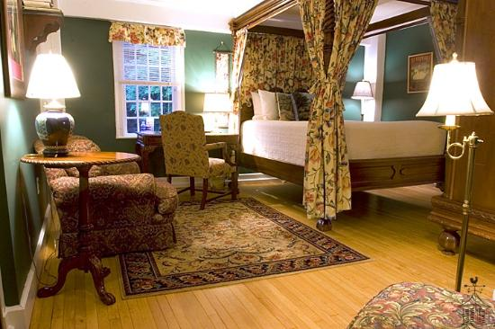 Three Chimneys Inn Photo