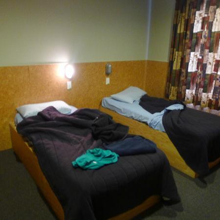 YHA Rotorua: new room