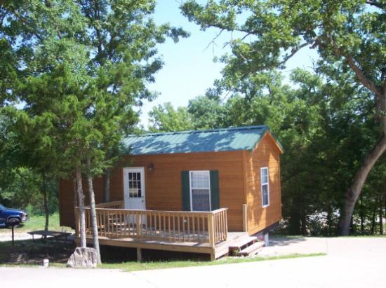 Yogi Bear's Jellystone Park Branson : Yogi Cottage