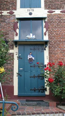 Treppenviertel: Blankenese historic captain's house