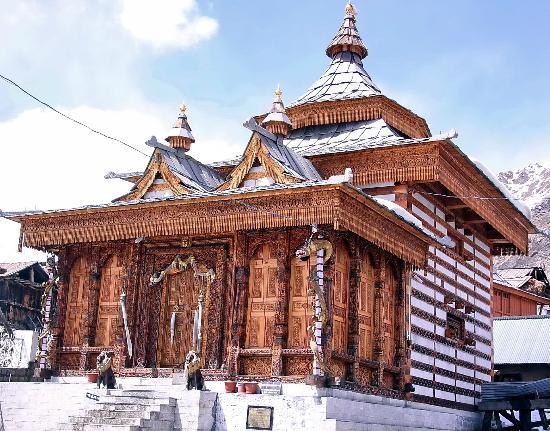 Kinnaur: Buddhist Pagoda with great woodcfart