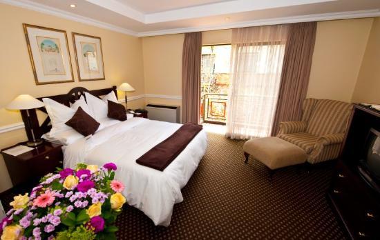 Courtyard Hotel Rosebank: Guest Room