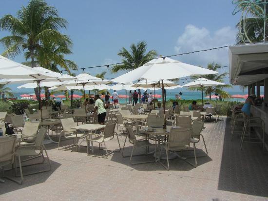 Ocean Club Cabana Bar & Grill: Cabana Bar & Grill