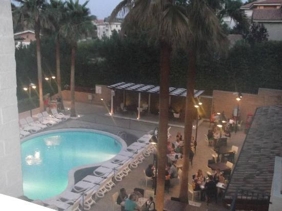 Residence Tortorella Inn Resort : piscina vista dalla mia finestra