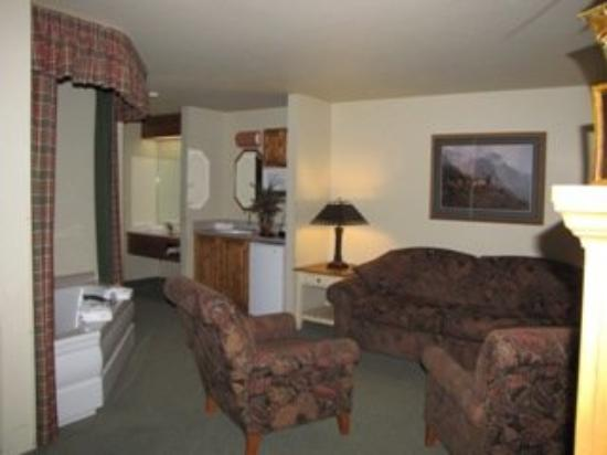 Bitterroot River Inn & Conference Center: Suite Photos