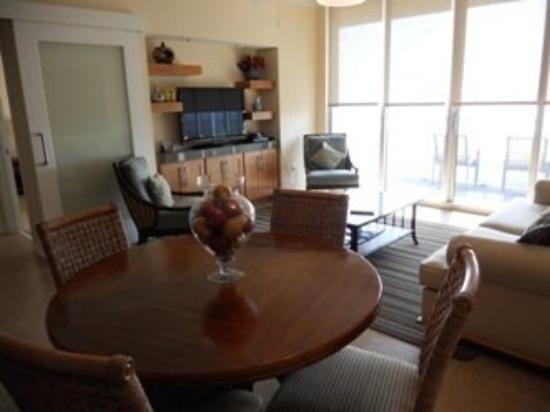 Ocean Club at Biloxi: 2 Bedroom Ocean View Living Room