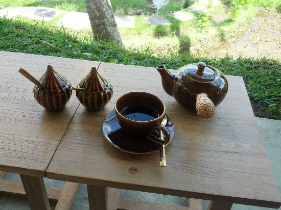 Mathis Retreat : Afternoon tea overlooking the rice fields - nice touch!
