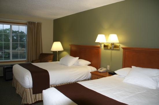 Country Inn Walker : Very clean & charming room!