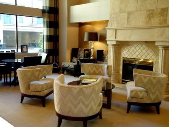 Montecito Apartment Suites: Interior