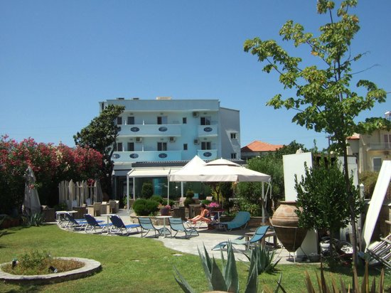 Lido: Garden and Hotel