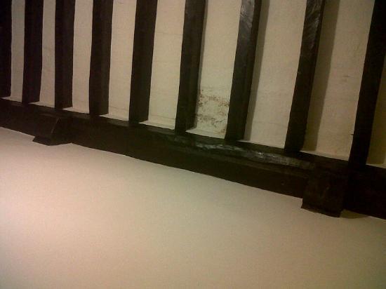 Hotel Sabrina: il tetto della camera dalla quale pioveva