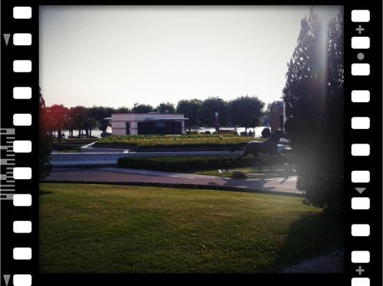 Le 85 : Vu sur le lac