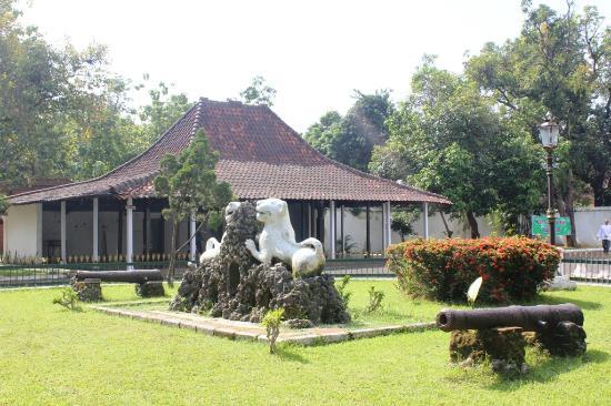 """Cirebon, Indonesien: The """"pendopo"""""""