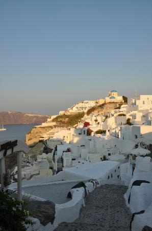Alexander's Boutique Hotel of Oia: The view in the morning.