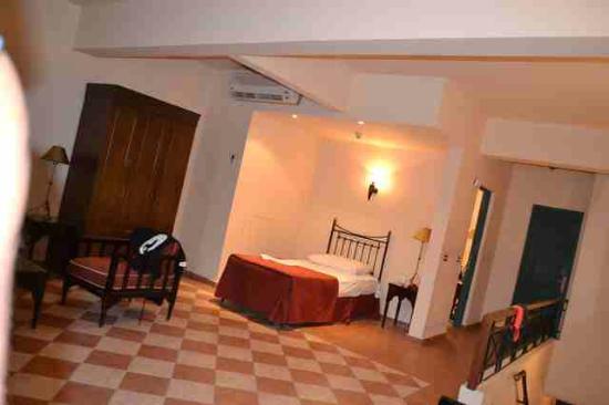 Jaz Fanara Resort & Residence: lettino da una piazza abbondante
