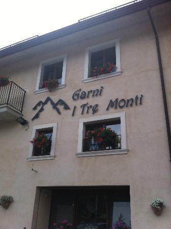Tre Monti: facciata