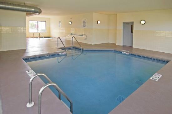 Howard Johnson Inn Appleton: Indoor Pool