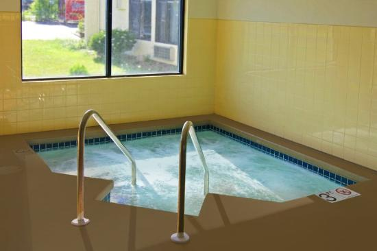 Howard Johnson Inn Appleton: Spa