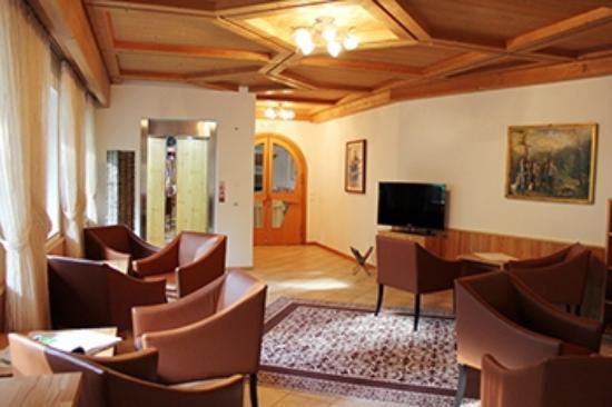 Hotel La Stoa: Hall