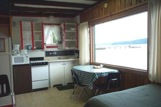 Mikes Beach Resort: Guest room