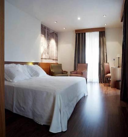 Gran Hotel La Perla: Guest Room