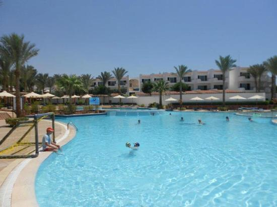 Jaz Fanara Resort & Residence: Pool