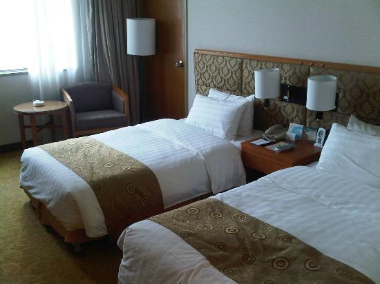 Gloria Grand Hotel Nanchang: nice & cozy room