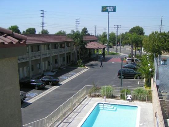 Budget Inn Santa Fe Springs : Pool view
