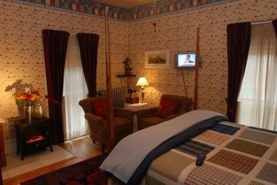 Great Tree Inn Bed & Breakfast: Country Folk Room
