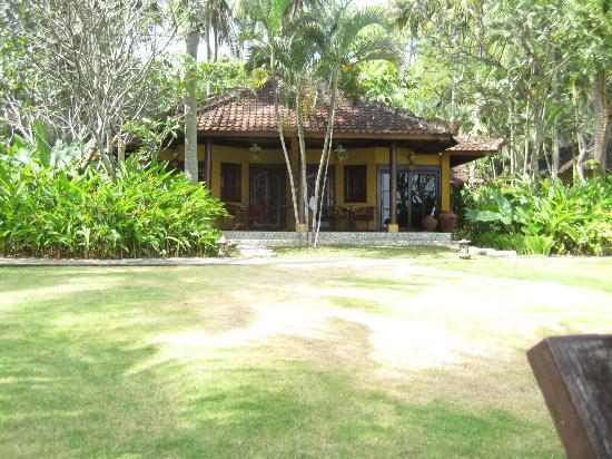 Alang-Alang Boutique Beach Hotel: Vue d'un bungalow
