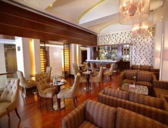 The Acura BMK: Lounge Bar