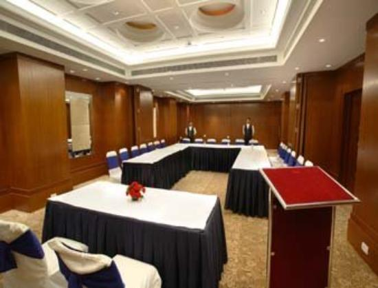 The Acura BMK: Meeting Room