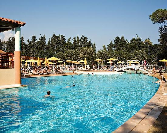 Zenitude Hôtel-Résidences Mandelieu - Mimozas Resort and Spa : Pool