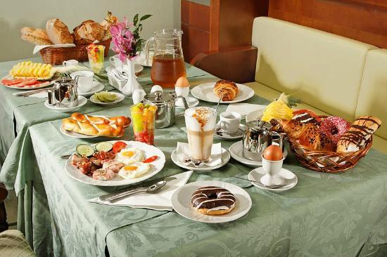 Hotel Liberty: Breakfast