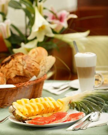 Hotel Liberty: Breakfast