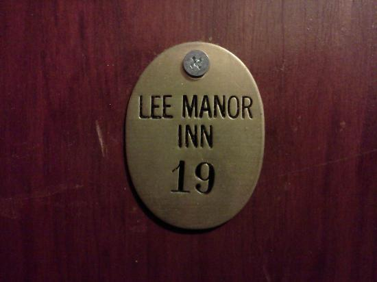 The Inn on Third: Door number marker at Americas Best Inn St Petersburg