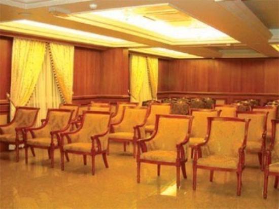 Safeer International Hotel : Interior