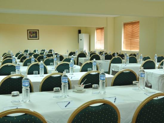 Protea Hotel Asokoro: Conference Room Schoolroom Setup