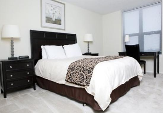 Stan Properties Suites at 1 W Superior Place: Guest Room
