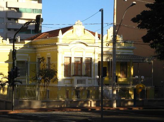 Ουμπερλάντια: Casa da Cultura, Uberlândia, MG