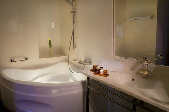 Hanza Hotel : Bathroom - Junior suite