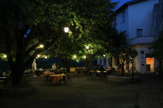 Hotel Restaurant Le Plantevin: Terrasse du restaurant Le Plantevin