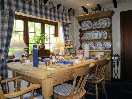 Champany Inn: breakfast room