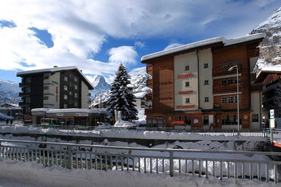 Hotel Cheminée: Seitenansicht