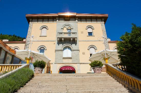 Facciata ristrutturata dell'Hotel San Marco Sestola
