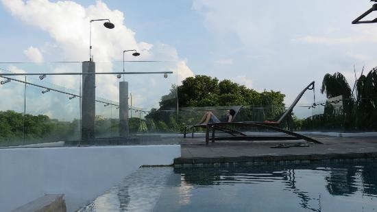 Amara Sanctuary Resort Sentosa: Rooftop pool