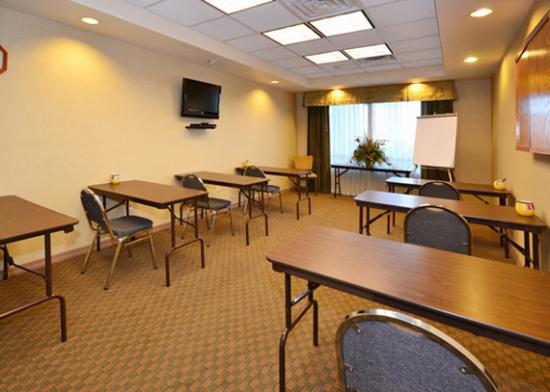 Comfort Inn & Suites Yuma: Small meeting room