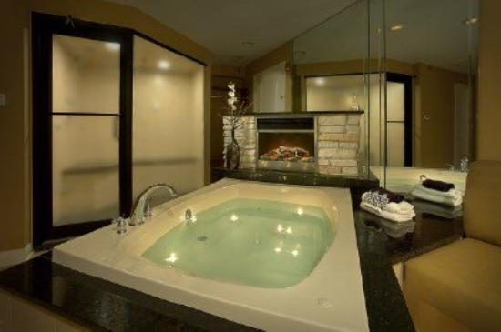 Champagne Lodge and Luxury Suites: Suite features