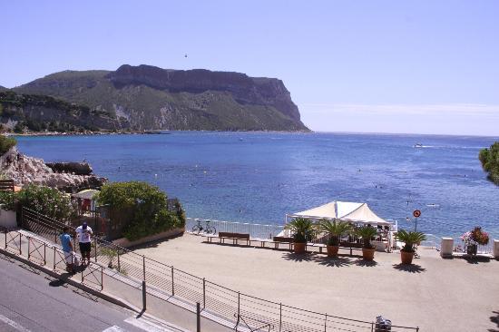 Hotel de la Plage Mahogany: view from front terrace 